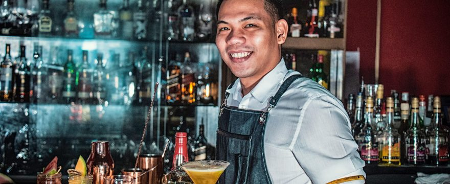 Bartending School: Pros and Cons
